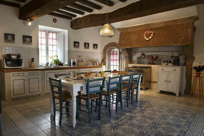 Chambre Bleu Turquoise Gris : Cuisine de caractère, dans un manoir typiquement breton  manoir de